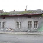průčelí domu z ulice