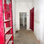 pohled z chodby do koupelny