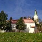 kostel Sv. Bartoloměje s farou